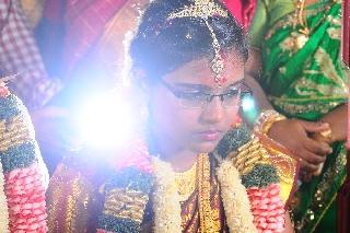 images/large/wedding/renjith/candid_photography_12.jpg