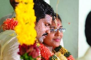 images/large/wedding/renjith/candid_photography_13.jpg