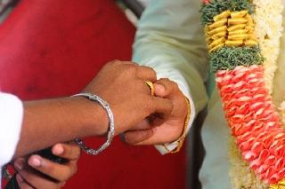 images/large/wedding/renjith/candid_photography_4.jpg
